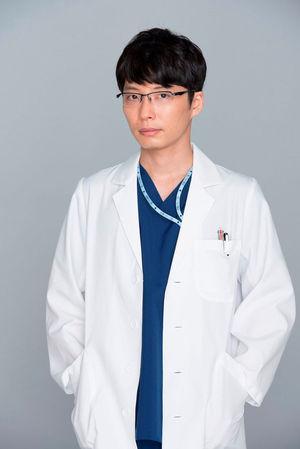 星野源:金曜ドラマ『コウノドリ』着用モデル