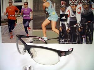 調光レンズ スポーツ度付サングラス アディダスサングラス