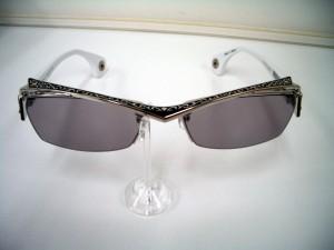ロズヴィーサングラス 銀細工 人と違うサングラス