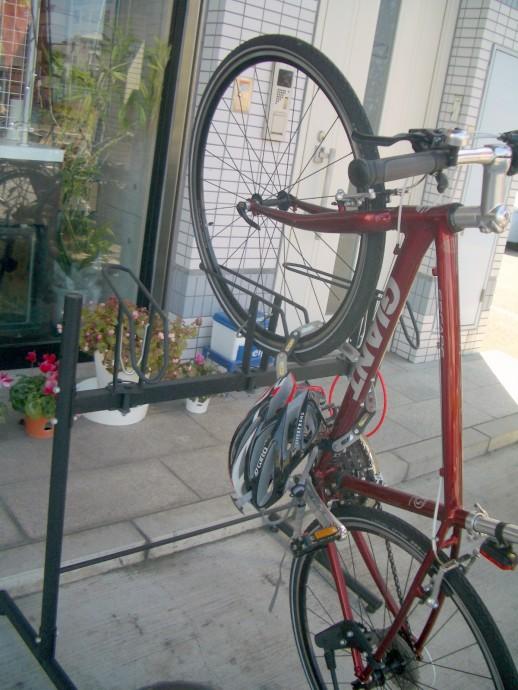 オークリーサングラス 自転車スタンド オークリースポーツサングラス
