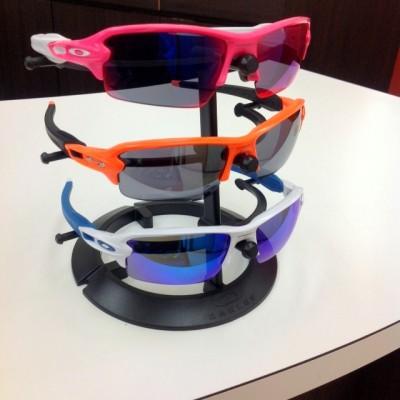 オークリーフラック2.0 名古屋ウィメンズマラソン2017年 スポーツサングラス 女性用スポーツサングラス