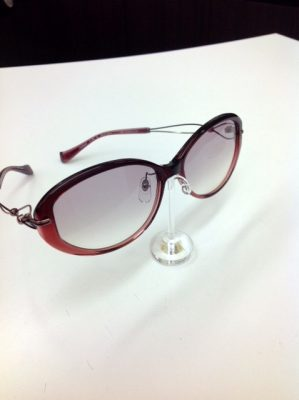 女性用サングラス 母の日 プレゼント レンズの薄いサングラス